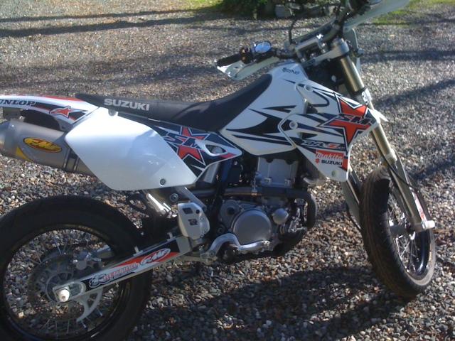 2010 Aprilia Rsv4 White. Bike: 2010 Aprilia RSV4